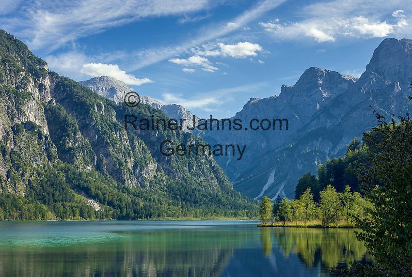 Oesterreich, Oberoesterreich, Gruenau im Almtal: der Almsee vor dem Toten Gebirge | Austria, Upper Austria, Gruenau im Almtal: lake Almsee and Tote Gebirge mountains