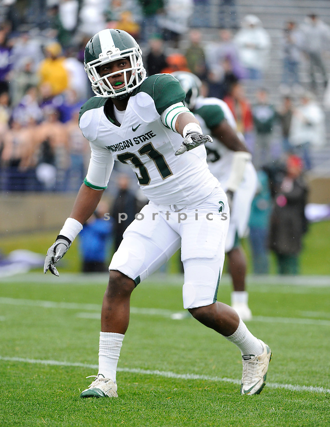DARQUEZE DENNARD, of the Michigan State Spartans, in action during the Spartans game against the Northwestern Wildcats at Ryan Field on October 23, 2010  in Evanston...Michigan State beat Northwestern 35-27.