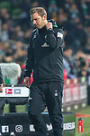 01.12.2018, Weser Stadion, Bremen, GER, 1.FBL, Werder Bremen vs FC Bayern Muenchen, <br /> <br /> DFL REGULATIONS PROHIBIT ANY USE OF PHOTOGRAPHS AS IMAGE SEQUENCES AND/OR QUASI-VIDEO.<br /> <br />  im Bild<br /> <br /> Florian Kohfeldt (Trainer SV Werder Bremen)<br /> Gestik, Mimik,<br /> entt&auml;uscht / enttaeuscht / traurig / Niederlage^<br /> <br /> Foto &copy; nordphoto / Kokenge