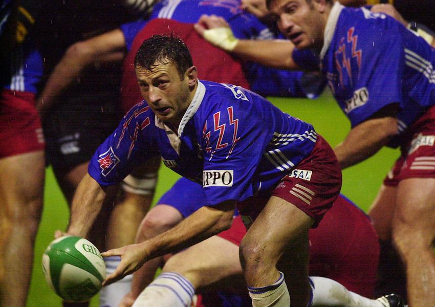 Photo Ken Brown.29.10.2000 Heineken Cup - Wasps v Stade Francais.Christophe Laussucq