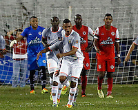 TULUA -COLOMBIA, 30-01-2015. Camilo Saiz jugador de Envigado FC celebra un gol anotado a Cortulua durante  partido por la fecha 1 de la Liga Aguila I 2015 jugado en el estadio 12 de Octubre de la ciudad de Tulua./ Camilo Saiz player of Envigado FC celebrates a goal scored to Cortulua during match for the first date of the Aguila League I 2015 played at 12 de Octubre stadium in Tulua city. Photo: VizzorImage / Juan C Quintero /Str