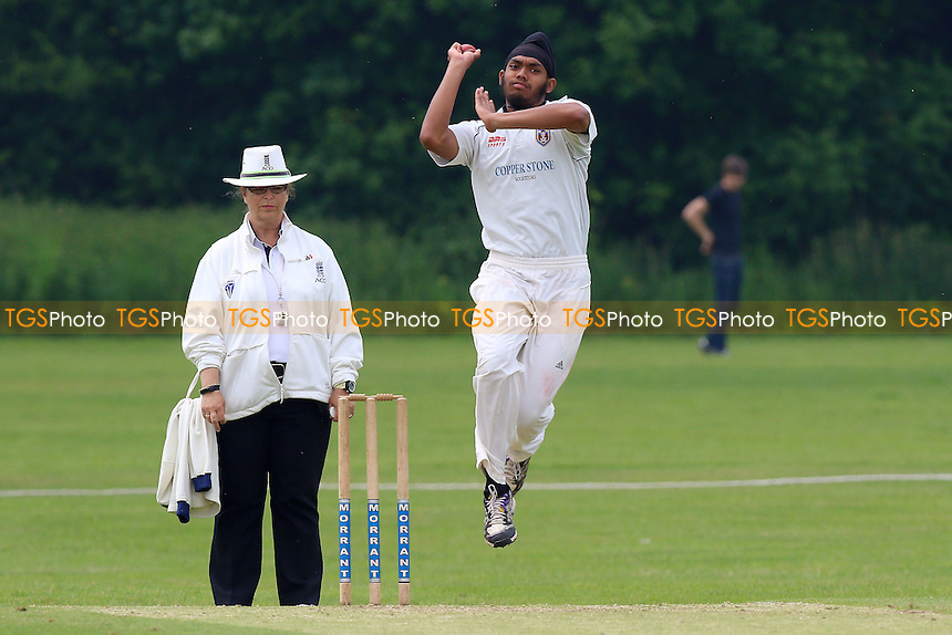 B Singh in bowling action for Hainault during Hutton CC vs Hainault & Clayhall CC, Shepherd Neame Essex League Cricket at the Polo Field on 28th May 2016