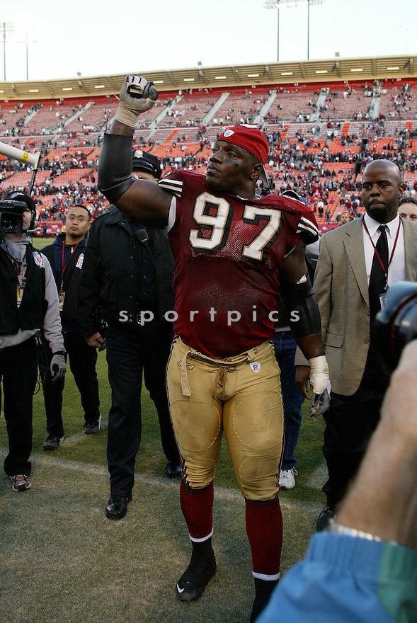 BRYANT YOUNG, of the San Francisco 49ers  in action during the 49ers game against the Tampa Bay Buccaneers on December 23, 2007 in San Francisco, California...49ER win 27-7..SportPics