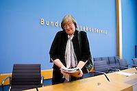 Berlin,: die Bundesbeauftragte fuer Datenschutz und Informationsfreiheit, Andrea Vosshoff, am Dienstag (06.05.2014) in der Bundespressekonferenz bei der Vorstellung des  4. Tätigkeitsberichts zur Informationsfreiheit. Foto: Steffi Loos/CommonLens