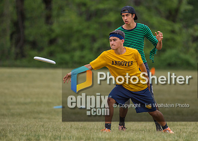 22 May 2016: The Vermont Commons School Flying Turtles take on Andover High School on the second day of the Pioneer Valley Ultimate Disk Invitational Tournament at the Oxbow Marina Fields in Northampton, Massachusetts. The Turtles defeated Andover 14-10 in their 6th game of the tournament. Mandatory Credit: Ed Wolfstein Photo *** RAW (NEF) Image File Available ***