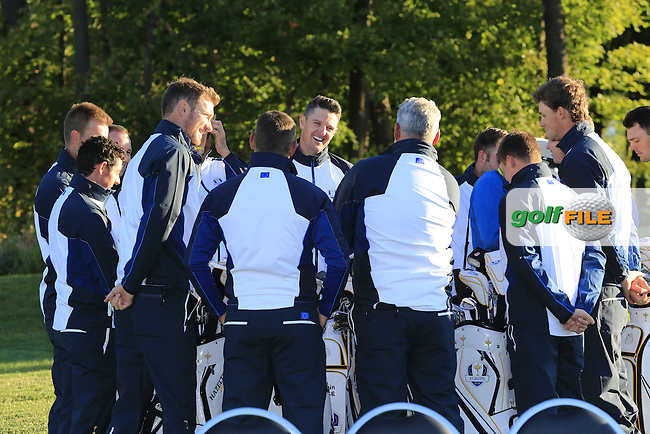 European Team huddle at photo shoot during Tuesday's Practice Day of the 41st Ryder Cup held at Hazeltine National Golf Club, Chaska, Minnesota, USA. 27th September 2016.<br /> Picture: Eoin Clarke | Golffile<br /> <br /> <br /> All photos usage must carry mandatory copyright credit (&copy; Golffile | Eoin Clarke)