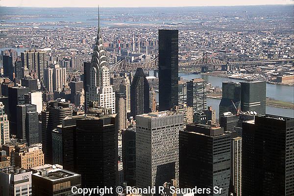 NEW YORK CITY SKYLINE INCLUDING CHRYSLER BUILDING