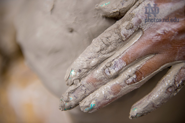 Oct. 28, 2014; Students work with clay in Riley Hall. (Photo by Matt Cashore/University of Notre Dame)