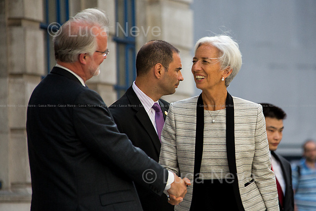 (From L to R) Craig Calhoun &amp; Christine Lagarde.<br />