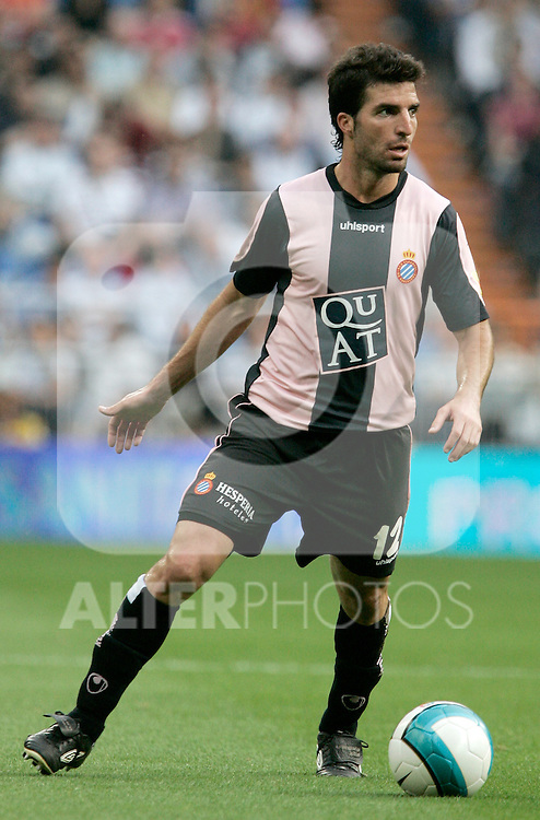 Espanol's Juan Velasco during Spain's La Liga match between Real Madrid and Espanol at Santiago Bernabeu Stadium, Saturday May 12, 2007. (ALTERPHOTOS/Alvaro Hernandez).