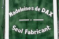 Europe/France/Aquitaine/40/Landes/Dax: Détail de la boutique des madeleines Cazelle