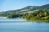 Austria, Upper Austria, Salzkammergut, Lake Irrsee also named Zeller Lake is the warmest lake of the Salzkammergut | Oesterreich, Oberoesterreich, Salzkammergut: der Irrsee, auch Zeller See genannt, der waermste See des Salzkammerguts