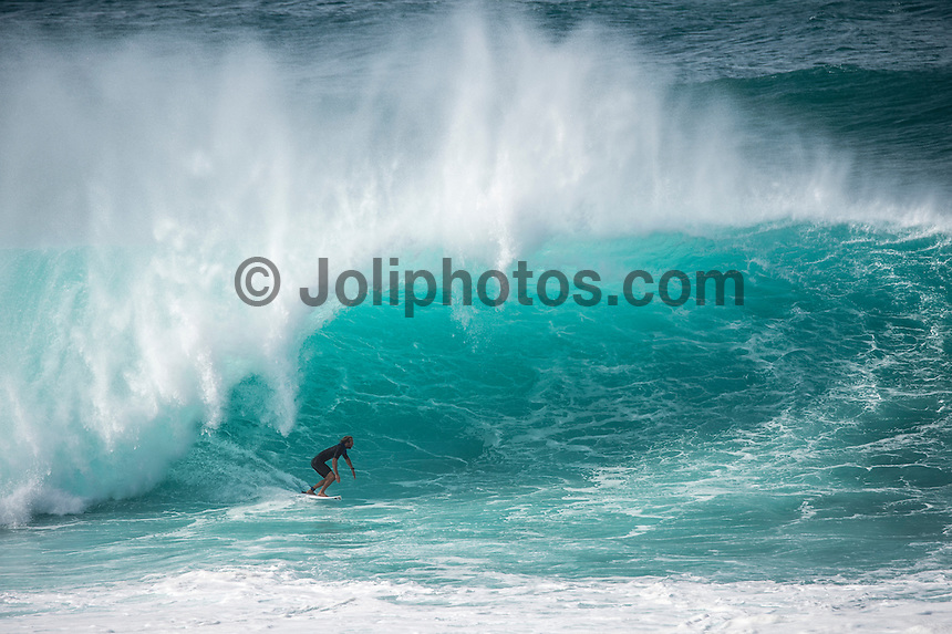 BANZAI PIPELINE, Oahu/Hawaii (Saturday, December 13, 2014)  Owen Wright (AUS)  surfing Pipeline after the contest was called off fro the day. - The final stop of the 2014  World Championship Tour, the Billabong Pipe Masters in Memory of Andy Irons, was  called ON today in NW double overhead surf. <br /> Round 1 was completed as the swell continued to rise and the Easterly Trade winds increased in strength. Kelly Slater (USA) kept his World Title hopes alive after winning his heat against Reef MacIntosh (HAW). Jordy Smith(ZAF) was injured when he hit the reef at Backdoor.<br /> Conditions worsen around the end of the Round and the event was first put on hold then postponed for the day.  <br /> <br /> The Billabong Pipe Masters in Memory of Andy Irons will determine this year&rsquo;s world surfing champion as well as those who qualify for the elite tour in 2015. As the third and final stop on the Vans Triple Crown of Surfing Series  the event will also determine the winner of the revered three-event leg.<br /> <br />  Photo: joliphotos.com