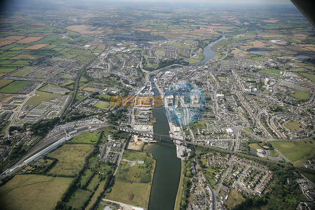 Aerial photograph of Drogheda looking West along the Boyne with the Viaduct and the train station in view. 02/09/05...Photo NEWSFILE/Fran Caffrey.(Photo credit should read Fran Caffrey/NEWSFILE)....This Picture has been sent you under the condtions enclosed by:.Newsfile Ltd..The Studio,.Millmount Abbey,.Drogheda,.Co Meath..Ireland..Tel: +353(0)41-9871240.Fax: +353(0)41-9871260.GSM: +353(0)86-2500958.email: pictures@newsfile.ie.www.newsfile.ie.FTP: 193.120.102.198...This picture is from Fran Caffrey@newsfile.ie