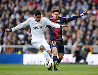 FUSSBALL  INTERNATIONAL  PRIMERA DIVISION  SAISON 2012/2013   26. Spieltag  El Clasico   Real Madrid  - FC Barcelona        02.03.2013 Lionel Messi (re, Barca) gegen Raphael Varane (Real Madrid)