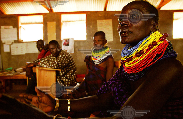 ©Cripsin Hughes/Panos Pictures..KENYA Turkana..Meeting of members of the Kalobeyei Primary School management committee.....