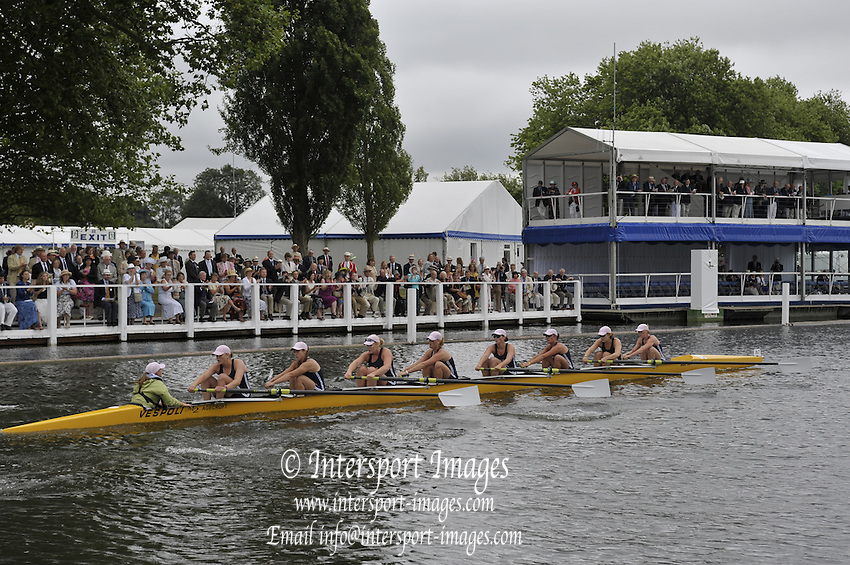 Henley, Great Britain.   Yale University USA.  in the closing stages of their heat in the Remenham Challenge Cup  2009 Henley Royal Regatta Friday 03/07/2009 at  [Mandatory Credit. Peter Spurrier/Intersport Images] . HRR.