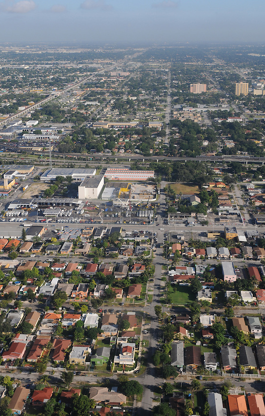 An aerial view of the Miami community, seen from the vantage point of an American Airlines Boeing 737 passenger jet