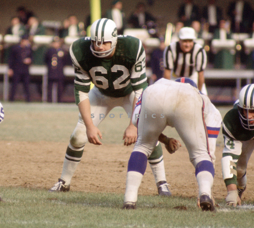 New York Jets Al Atkinson (62) during a game against the New York Giants on November 1, 1970 at Shea Stadium in Flushing, New York. New York Giants beat the New York Jets  22-10.  Al Atkinson played for 10 season, all with the New York Jets and  was a 1-time Pro Bowler.(SportPics)
