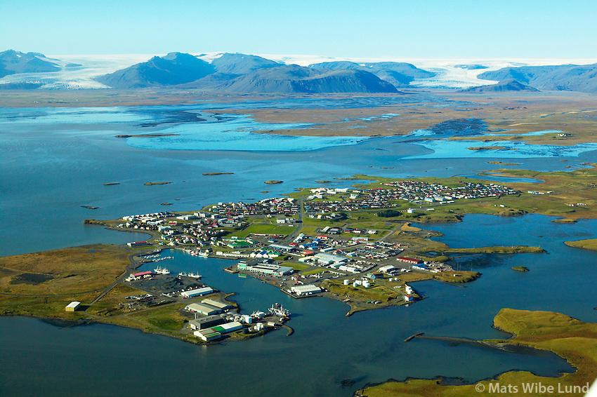 Höfn, Hornafjörður, Fláajökull og Hoffellsjökull í baksýni. /.Hofn, Hornafjordur, Flaajokull and Hoffellssjokull glaciers in background