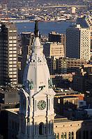 Amérique/Amérique du Nord/USA/Etats-Unis/Vallée du Delaware/Pennsylvanie/Philadelphie : City Hall et la statue de Penn en haut de l'hôtel de ville