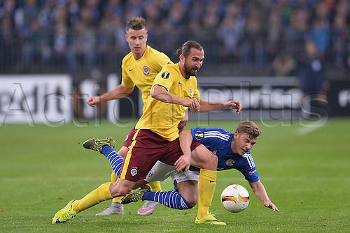 22.10.2015. Gelsenkirchen, Germany. UEFA Europa League football. FC Schalke versus Sparta Prague.  Petr Jiracek ( Prag ) beats Max Meyer ( Schalke )