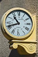 Europe/France/Languedoc-Roussillon/66/Pyrénées-Orientales/Cerdagne/Font-Romeu-Odeillo-Via/ Horloge à la gare du Train jaune de Cerdagne appelé le Train Jaune ou le Canari,