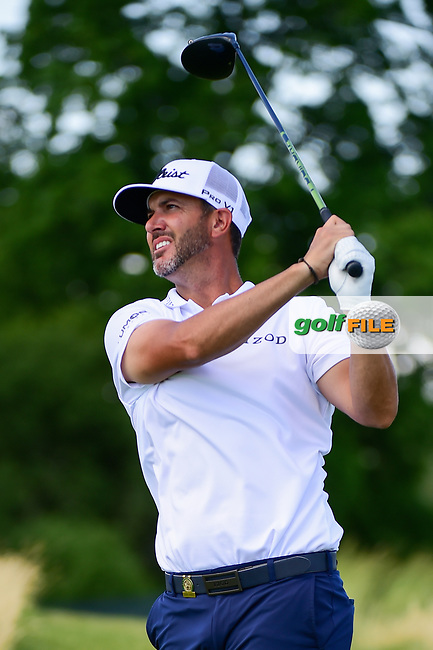 Scott Piercy (USA) watches his tee shot on 12 during Thursday's round 1 of the 117th U.S. Open, at Erin Hills, Erin, Wisconsin. 6/15/2017.<br /> Picture: Golffile | Ken Murray<br /> <br /> <br /> All photo usage must carry mandatory copyright credit (&copy; Golffile | Ken Murray)