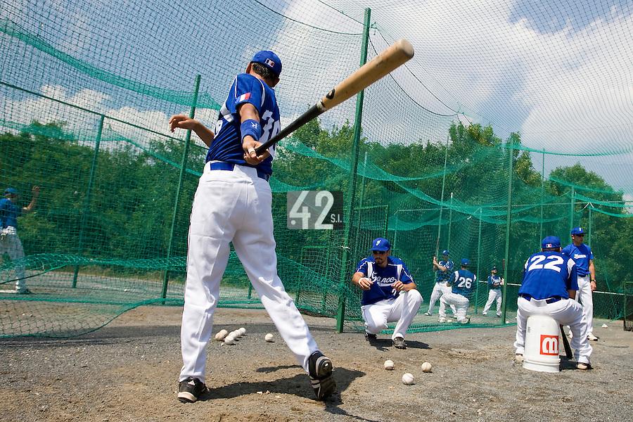 BASEBALL - GREEN ROLLER PARK - PRAGUE (CZECH REPUBLIC) - 24/06/2008 - PHOTO: CHRISTOPHE ELISE.BATTING PRACTICE (TEAM FRANCE)