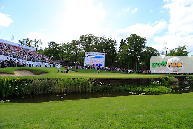 Rory McIlroy (NIR) on the 18th during the final round of the BMW PGA championship, Wentworth Golf Club, Virginia Water, London.<br /> Picture: Fran Caffrey www.golffile.ie