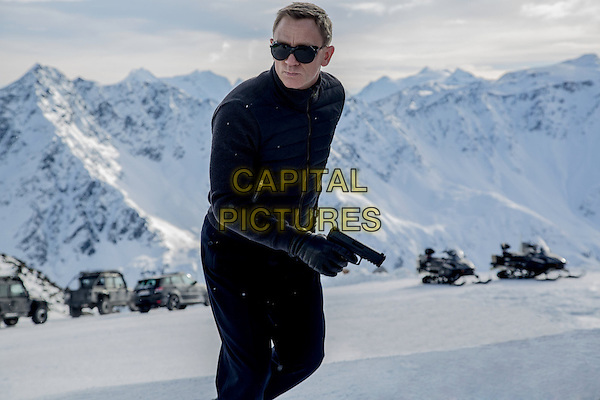 Spectre (2015) <br /> Daniel Craig<br /> *Filmstill - Editorial Use Only*<br /> CAP/FB<br /> Image supplied by Capital Pictures