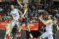 GRONINGEN - Basketbal, Donar - Den Helder Suns, Dutch Basketbal League, seizoen 2018-2019, 20-04-2019, Donar speler Grant Sitton in duel met Den Helder speler Boy van Vliet