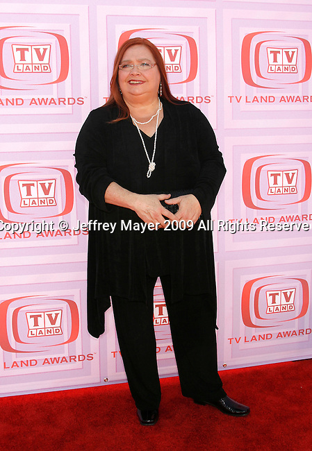 UNIVERSAL CITY, CA. - April 19: Conchata Ferrell arrives at the 2009 TV Land Awards at the Gibson Amphitheatre on April 19, 2009 in Universal City, California.