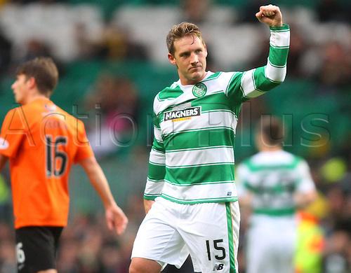 25.10.2015. Glasgow, Scotland. Scottish Premier League. Celtic versus Dundee United. Kris Commons salutes the fans after his goal
