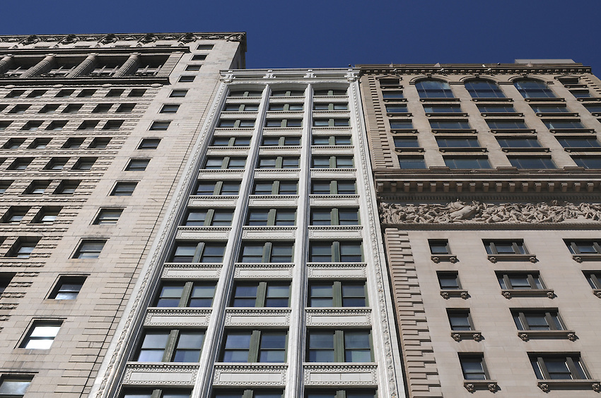 The Lakeview Building, 116 South Michigan Avenue, Chicago, Illinois, sandwiched between National-Louis University, formerly The People's Gas Building, to the left and the Art Institute of Chicago, Maclean Center to the right, 3 wonderful examples of early 20th century Chicago building style.