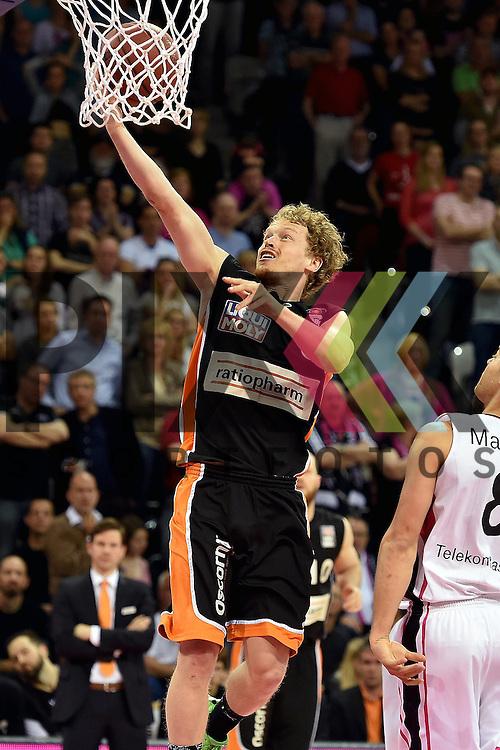 Am Ball Ulms Nr6 Per Guenther im Spiel Telekom Baskets Bonn - ratiopharm Ulm.<br /> <br /> Foto &copy; P-I-X.org *** Foto ist honorarpflichtig! *** Auf Anfrage in hoeherer Qualitaet/Aufloesung Belegexemplar erbeten Veroeffentlichung ausschliesslich fuer journalistisch-publizistische Zwecke For editorial use only