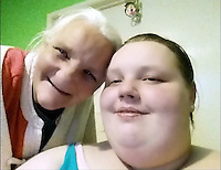 Pictured: Georgia Davis (R) with her mum Lesley (L).<br />