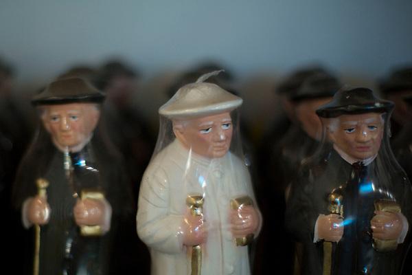Juazeiro do Norte_CE, 15 de Setembro de 2012<br /> <br /> Na foto, imagens  de de Padre Cicero<br /> <br /> Foto: LEO DRUMOND / NITRO