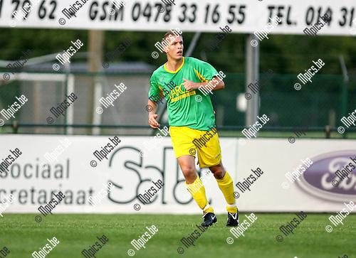 2009-08-01 / Seizoen 2009-2010 / Voetbal / Sint Lenaarts / Joris Jaspers..Foto: Maarten Straetemans (SMB)