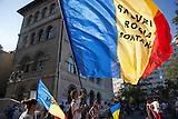 Proteste in Bukarest gegen den geplanten Goldabbau in Rosia Montana. / Protests against the exploita
