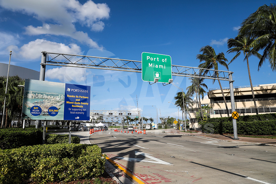 """MIAMI, FL, USA - 12.09.2017 - MIAMI-PORTO - Vista da entrada do Porto de Miami """"Port Mam""""na cidade de Miami na Florida no Estados Unidos. (Foto: William Volcov/Brazil Photo Press)."""