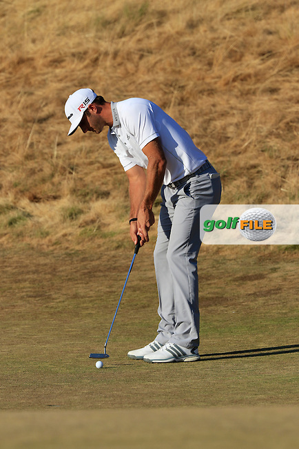 Dustin JOHNSON (USA) takes his putt to win on the 18th green during Sunday's Final Round of the 2015 U.S. Open 115th National Championship held at Chambers Bay, Seattle, Washington, USA. 6/22/2015.<br /> Picture: Golffile | Eoin Clarke<br /> <br /> <br /> <br /> <br /> All photo usage must carry mandatory copyright credit (&copy; Golffile | Eoin Clarke)