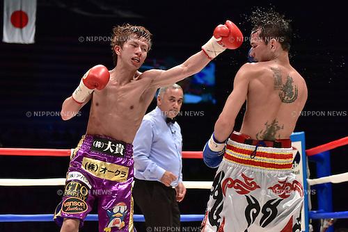 (L-R) Ryoichi Taguchi (JPN), Kwanthai Sithmorseng (THA),<br /> MAY 6, 2015 - Boxing :<br /> Ryoichi Taguchi of Japan in action against Kwanthai Sithmorseng of Thailand during the seventh round of the WBA light flyweight title bout at Ota-City General Gymnasium in Tokyo, Japan. (Photo by Hiroaki Yamaguchi/AFLO)