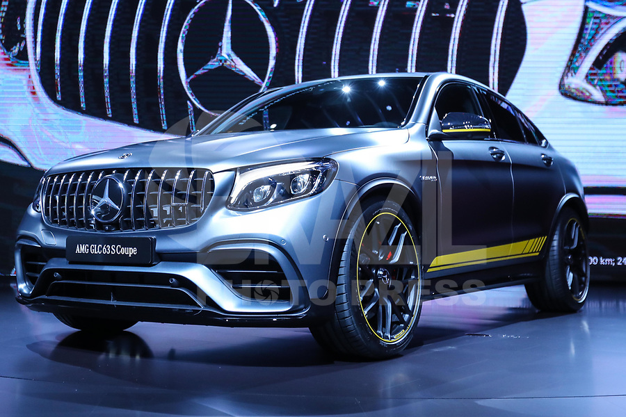 NEW YORK, EUA, 12.04.2017 - AUTOMÓVEL-NEW YORK -  AMG GLC 63 S Coupe da Merces Bens é visto durante o New York Internacional Auto Show no Javits Center na cidade de New York nesta quarta-feira, 12. O evento é aberto ao público do dia 14 à 23 de abril de 2017  . (Foto: Vanessa Carvalho/Brazil Photo Press)