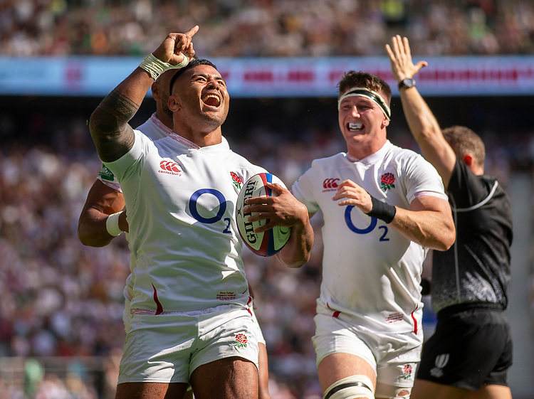 England's Manu Tuilagi celebrates scoring his sides third try<br /> <br /> Photographer Bob Bradford/CameraSport<br /> <br /> Quilter Internationals - England v Ireland - Saturday August 24th 2019 - Twickenham Stadium - London<br /> <br /> World Copyright © 2019 CameraSport. All rights reserved. 43 Linden Ave. Countesthorpe. Leicester. England. LE8 5PG - Tel: +44 (0) 116 277 4147 - admin@camerasport.com - www.camerasport.com