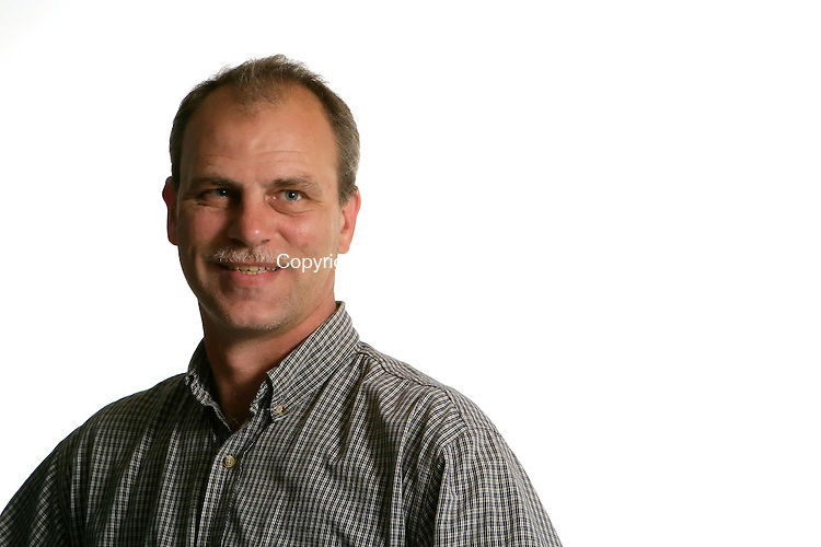 WATERBURY, CT - 12 OCTOBER 2005 -101205JS08 Sean Dudley   --Jim Shannon / Republican-American-- are CQ