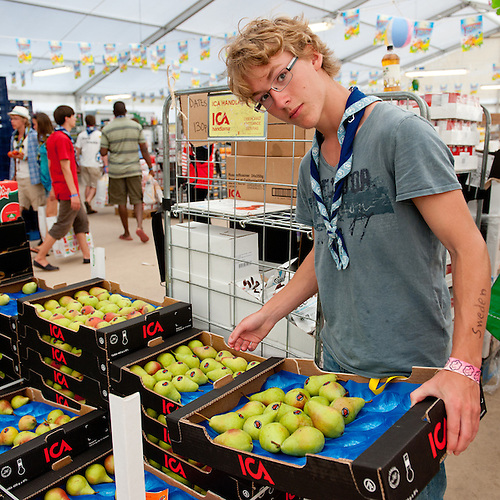From one of the food stores at the camp. Photo: Christoffer Munkestam/Scouterna