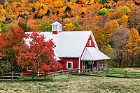 Picturesque red barn, Stockbridge, Vermont, USA.