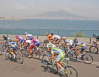 NAPOLI 04/05/2013 PRIMA TAPPA  CIRCUITO NAPOLI 968 GIRO D'ITALIA.NELLA FOTO .FOTO CIRO DE LUCA NAPOLI.Cyclist riders during  the first stage of 96° Giro d''italia cycling race in Naples