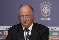 Luiz Felipe Scolari, Felipão é apresentado como novo técnico da Seleção Brasileira, na manhã desta quinta-feira (29) no Hotel Windsor Barra, na Barra da Tijuca, zona oeste do Rio de Janeiro (RJ). (FOTO; ROBERTO FILHO / BRAZIL PHOTO PRESS).